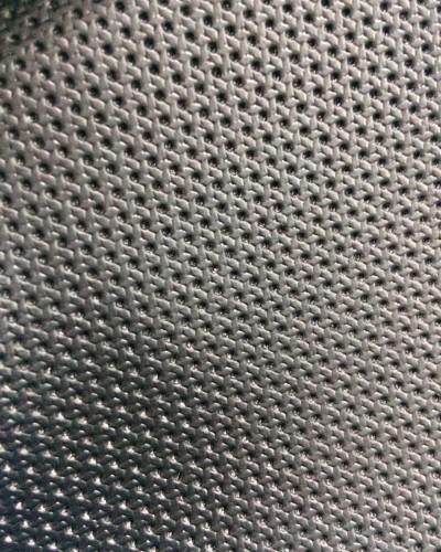 Detalhes do produto Courvin Preto Furado 4065